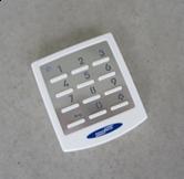 10 Codes, 433 MHz, KeeLoq-Wechselcode mit Edelstahlblende, hinterleuchtet, aus UV-beständigem Material Hinweis: Kompatibel mit allen Novoferm Torantrieben ab Baujahr 2002 mit 433MHz.